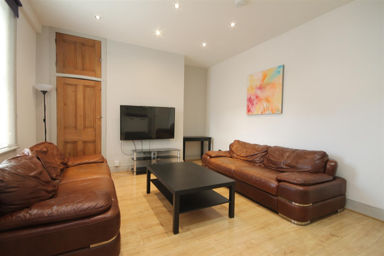 Hunters Road Newcastle Upon Tyne, 6 Bedrooms  House - terraced ,For Sale